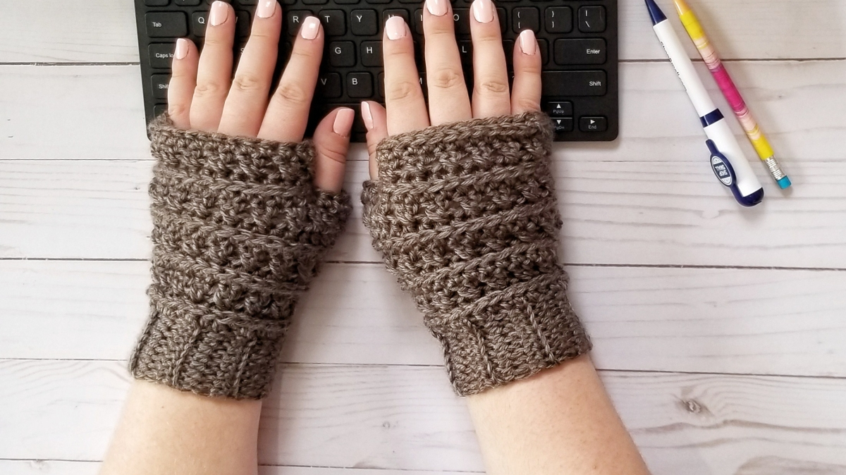 All My Exes Fingerless Mittens Pattern
