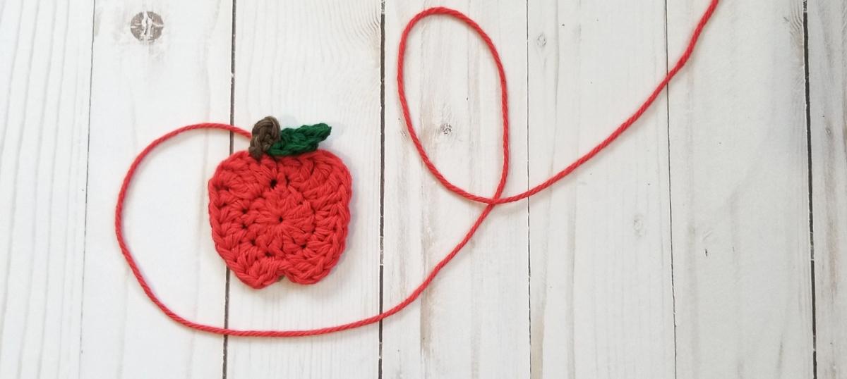 Red Delicious Apple Applique Crochet Pattern